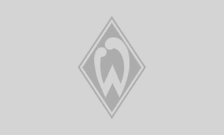 Lasse Rosenboom in der Ostkurve des wohninvest WESERSTADIONs