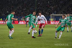 November: Es läuft schleppend. Trotz der Rückkehr von Bargfrede, Pizarro und Kruse ist das 2:2 im Nordderby gegen den HSV bereits das fünfte Spiel in Folge ohne Sieg (Foto: nordphoto).