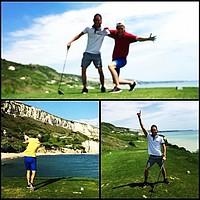 Auch abseits der Reha bleibt Johannsson sportlich aktiv - wie hier beim Golfen (Foto: Instagram/aronjo).