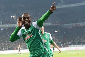 Grünes Trikot mit weißen Ärmeln: In diesen Shirts sicherte sich Werder 2015/16 den Klassenerhalt (Foto: nordphoto).