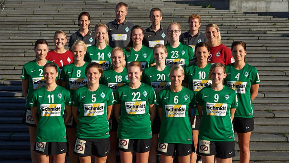 Das Teamfoto der 1. Frauen aus der Saison 2013/2014.