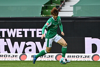 Yuya Osako on the ball