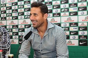 Wieder Werderaner: Claudio Pizarro trägt in der laufenden Saison wieder das Trikot der Grün-Weißen (Foto: nph).