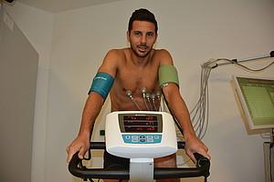 Am Montagmorgen absolvierte Rückkehrer Claudio Pizarro den obligatorischen Medizincheck (Foto: WERDER.DE).