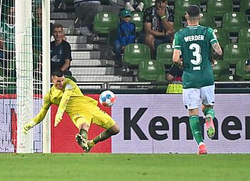 Michael Zetterer im Spiel gegen Hannover 96.