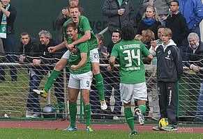 Jubel mit den alten Teamkollegen Malte Grashoff und Aleksandar Stevanovic bei der U23 in der 3.Liga.