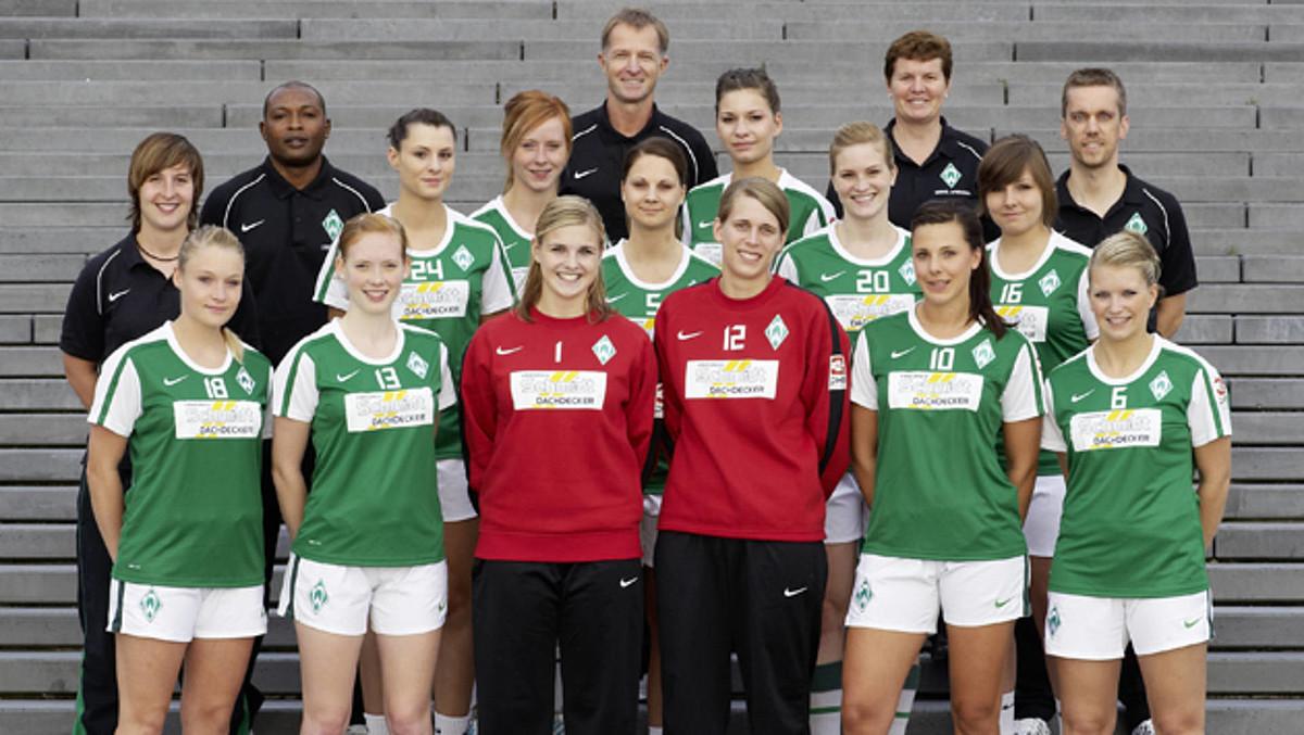 Das Teamfoto der 1. Frauen aus der Saison 2010/2011