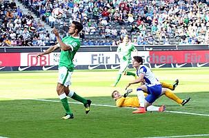 Zwei Minuten später traf der argentinische Mittelstürmer Franco di Santo zum 2:2-Endstand (Archivfoto: nordphoto).