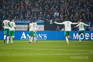 Januar: Werder startet mit einem 2:1-Auswärtssieg auf Schalke in das Bundesliga-Jahr 2016 (Foto: nordphoto).