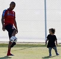 Die Nationalspieler Tschechiens bereiten sich auf die EM vor - und erhalten dabei Unterstützung von ihren Familien (Foto: Instagram/theogs23).