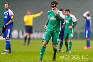 Luca Zander stoppt keine Verletzung - und davon hatte er wahrlich schon genug. Auch mit Maske ist der mittlerweile 21-Jährige schon in der 3. Liga aufgelaufen, zuletzt im Januar 2016 beim Spiel gegen Holstein Kiel.