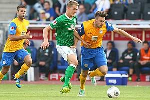 Die Löwen erwiesen sich nach ihrer 28-jährigen Bundesliga-Abstinenz über weite Strecken für Werder Bremen als ebenbürtiger Gegner (Archivfoto: nordphoto).