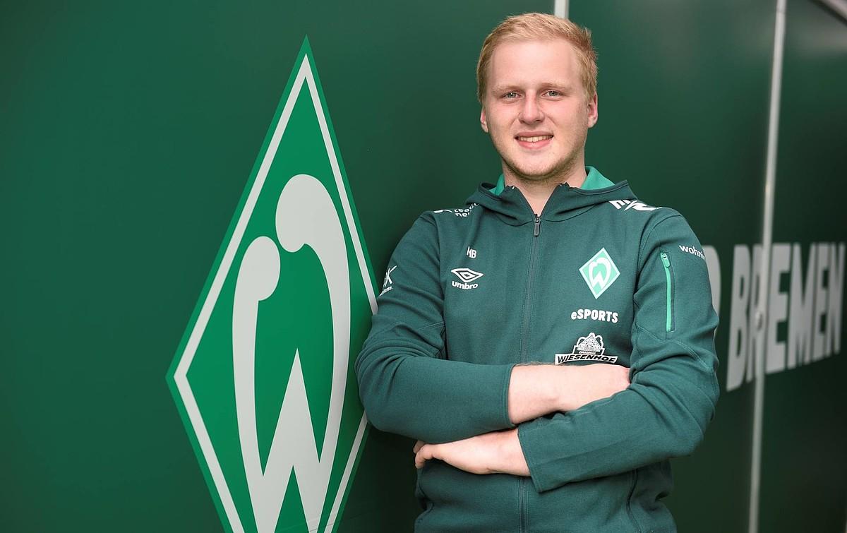"""Werder Bremen eSPORTS Spieler Michael """"MegaBit"""" Bittner Deutscher Meister VBL"""