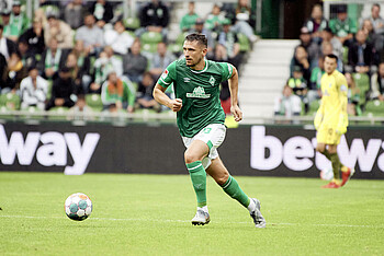 Milos Veljkovic im Spiel gegen Hansa Rostock.