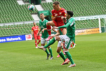 Clemens Fritz lobt den Einsatz und die Laufbereitschaft gegen Bayer 04 Leverkusen.