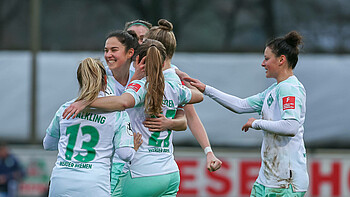 Jubelnde Werder-Spielerin gegen Wolfsburg
