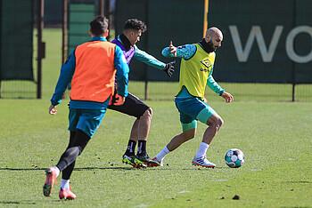[Translate to Englisch:] Ömer Toprak, Davie Selke und Kevin Möhwald im Werder-Training