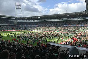 Einer der wichtigsten Bundesliga-Erfolge der letzten Jahre: Dank des 1:0-Sieges gegen Frankfurt hält Werder im Mai die Klasse. Was dann im Weser-Stadion passiert, geht in die Geschichtsbücher ein… (Foto: nordphoto).