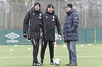 Konrad Fünfstück, Marco Grimm und Thomas Schaaf beim Training der Werder U23.