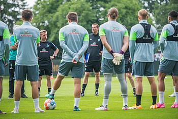 Werders U23 rund um Cheftrainer Konrad Fünfstück startet in die Regionalliga-Saison