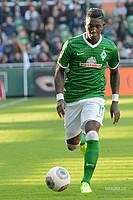 Das Trikot 2013/14 sollte die Werder-Identität widerspiegeln. Dazu war es vollständig mit Karos in Grüntönen bedeckt (Foto: nordphoto).