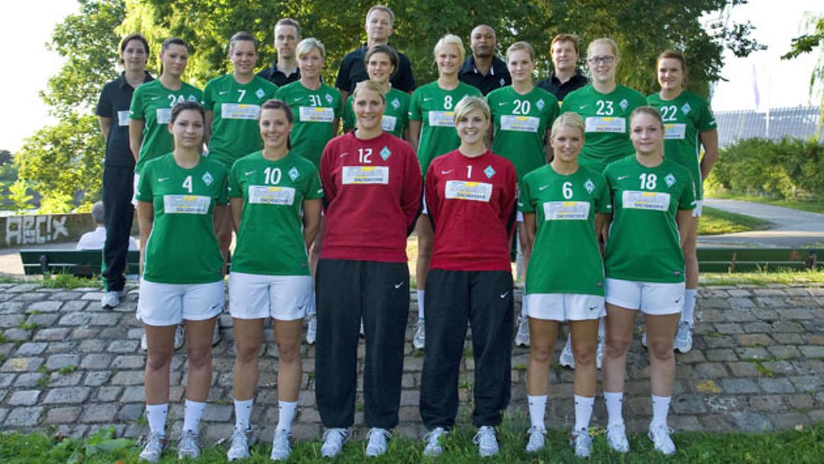 Das Teamfoto der 1. Frauen aus der Saison 2012/2013.